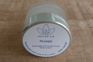 Nuage antioxidant and moisturizing facial cream